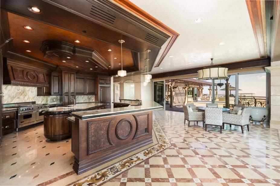 One Queensridge Place Las Vegas High Rise