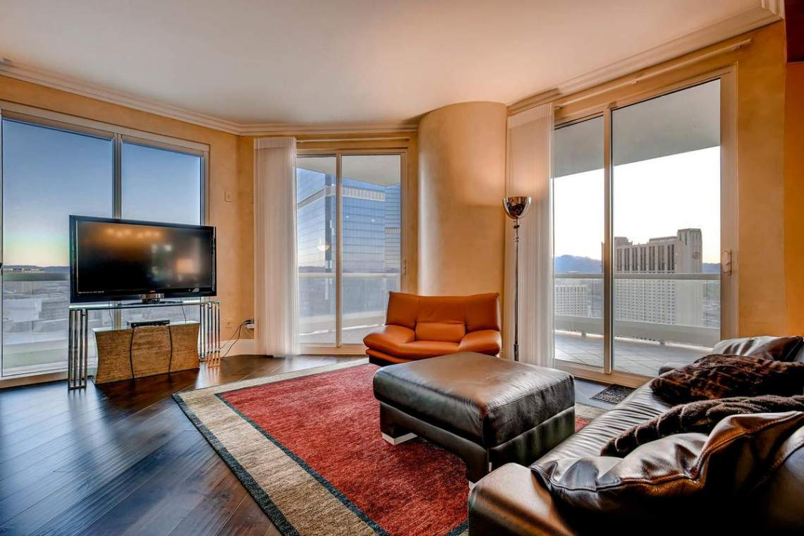 Turnberry Place High Rise in Las Vegas